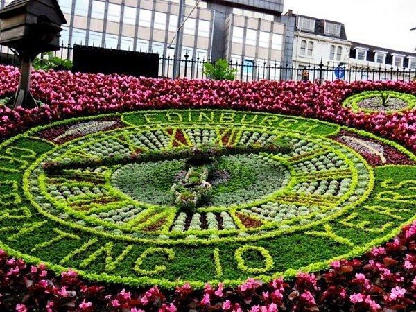 Цветочные часы в Эдинбурге
